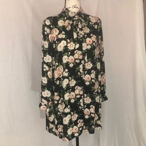 Black long sleeve flower shirt M forever 21